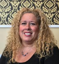 Erin Munroe, Cosmetologist